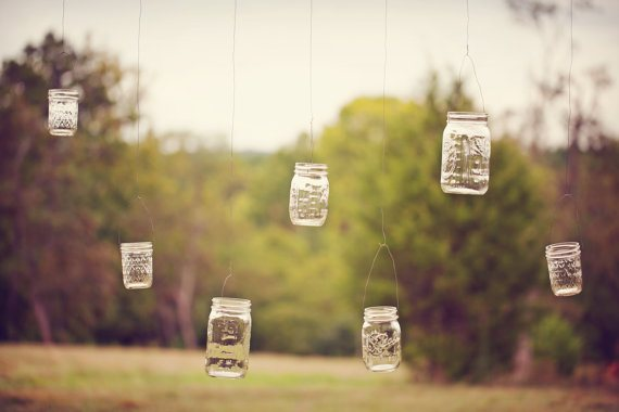 hanging-mason-jar-lanterns