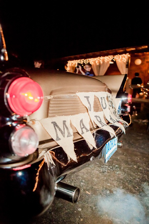 just-married-car-bunting-barn-wedding
